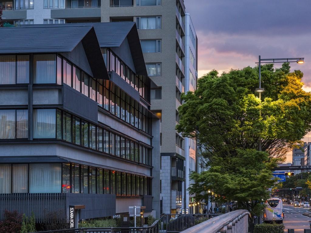 京都市役所前バス停まで徒歩2分