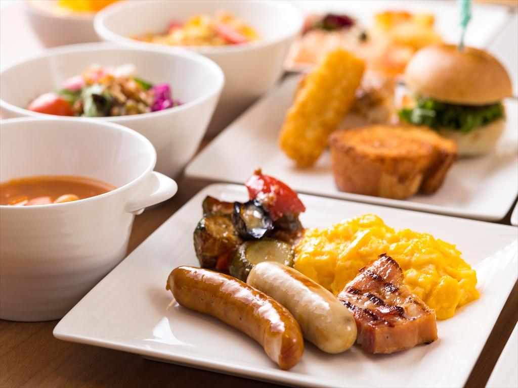 旅行の朝はおいしい朝食から