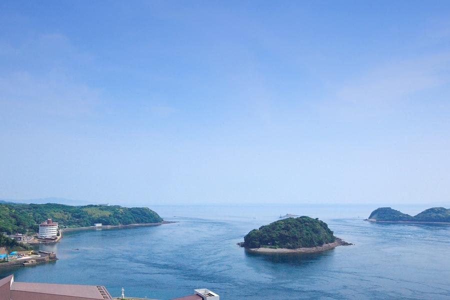 平戸城天守閣からの爽快な眺め