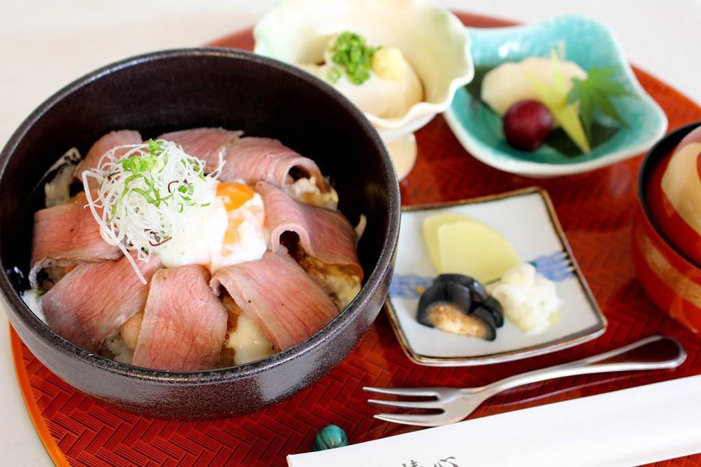 西脇ローストビーフ丼