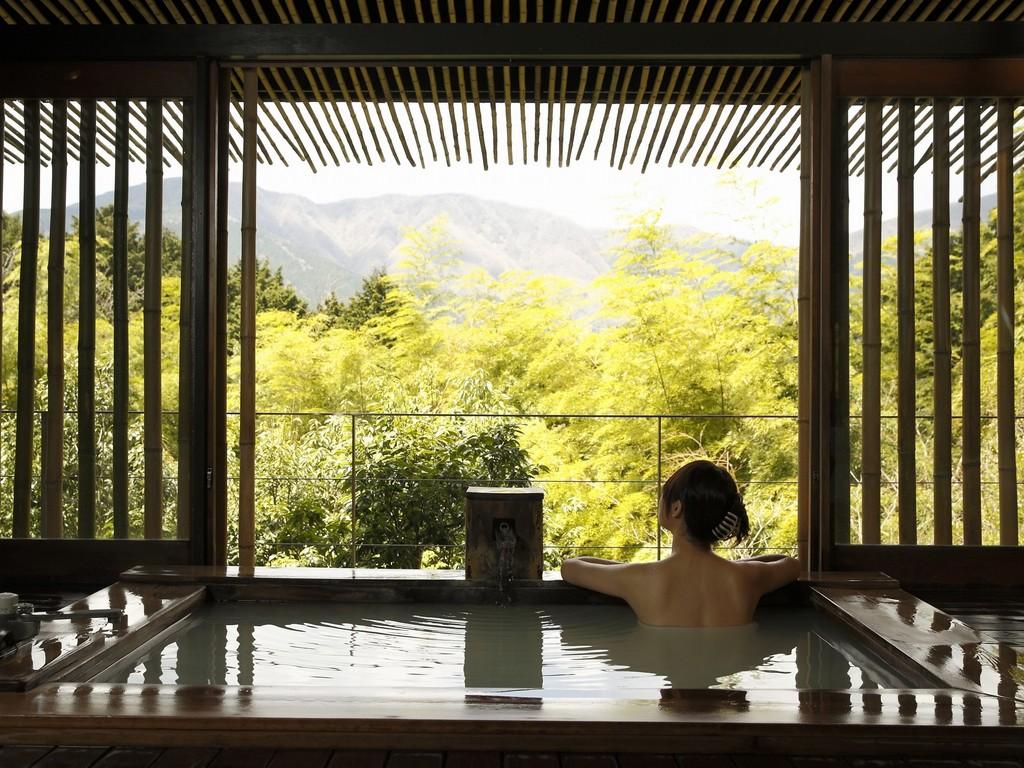 客室の露天風呂一例