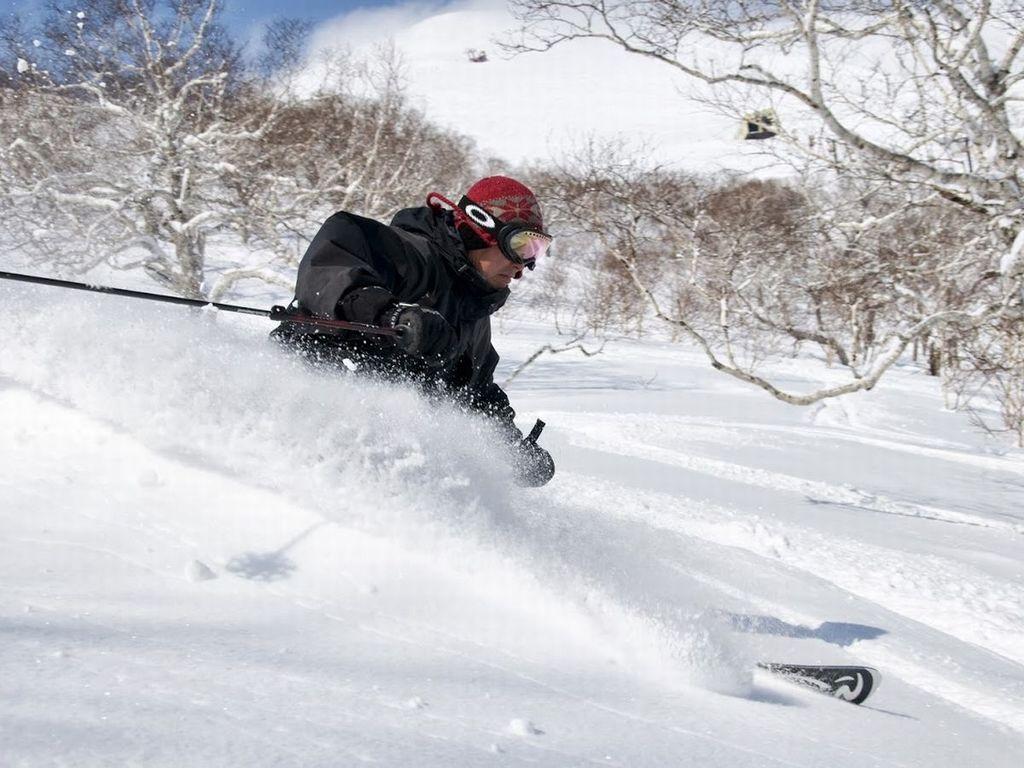日本百名山に数えられる羊蹄山を眼前に望みながら、極上のパウダースノーが楽しめる贅沢をどうぞ。