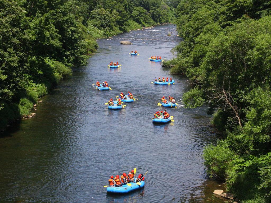 【尻別川ラフティング】国内有数の清流・尻別川ならではの、大自然に囲まれた透明度の高い川下り体験を♪