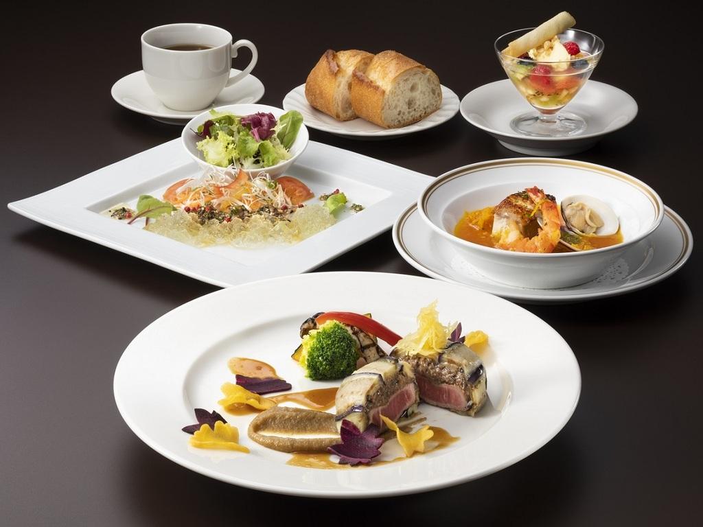 【特別洋食コース/一例】大地の収穫や近海であがる魚介などニセコならではの味覚をご堪能ください