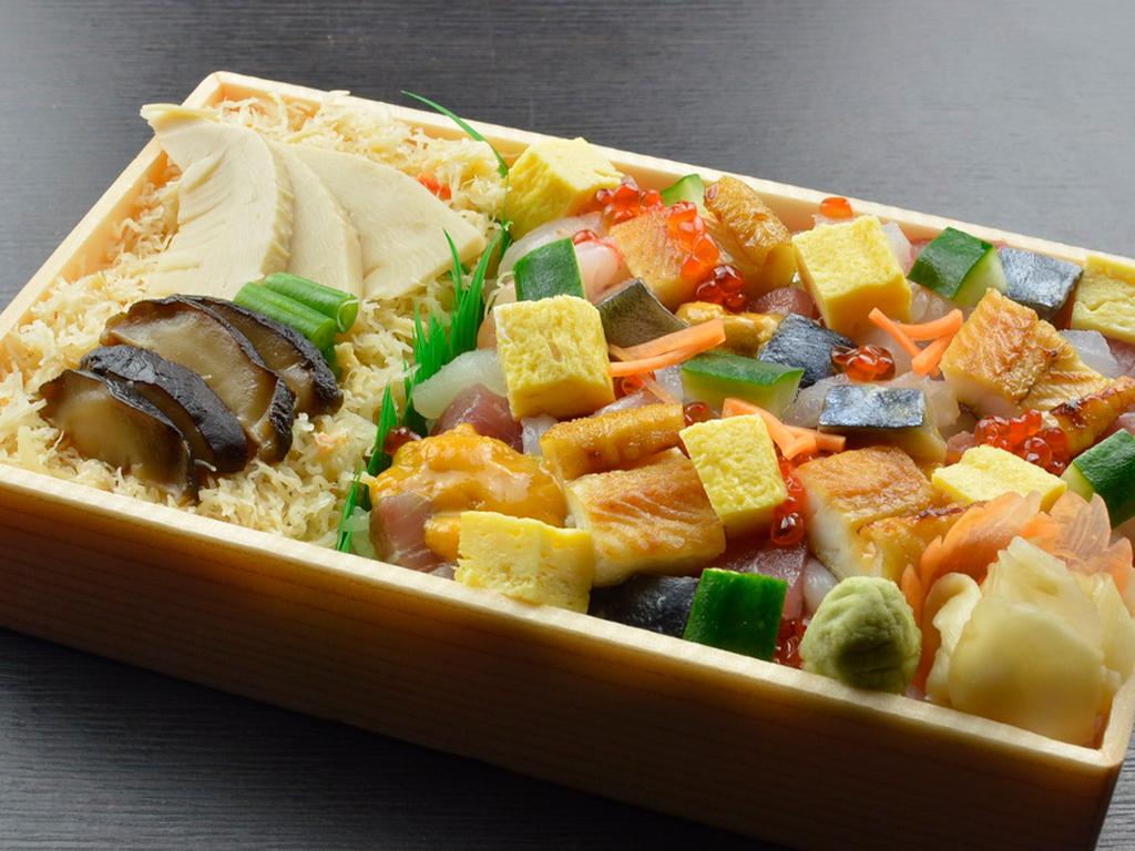 蟹飯入り海鮮バラちらし(和食)※イメージ