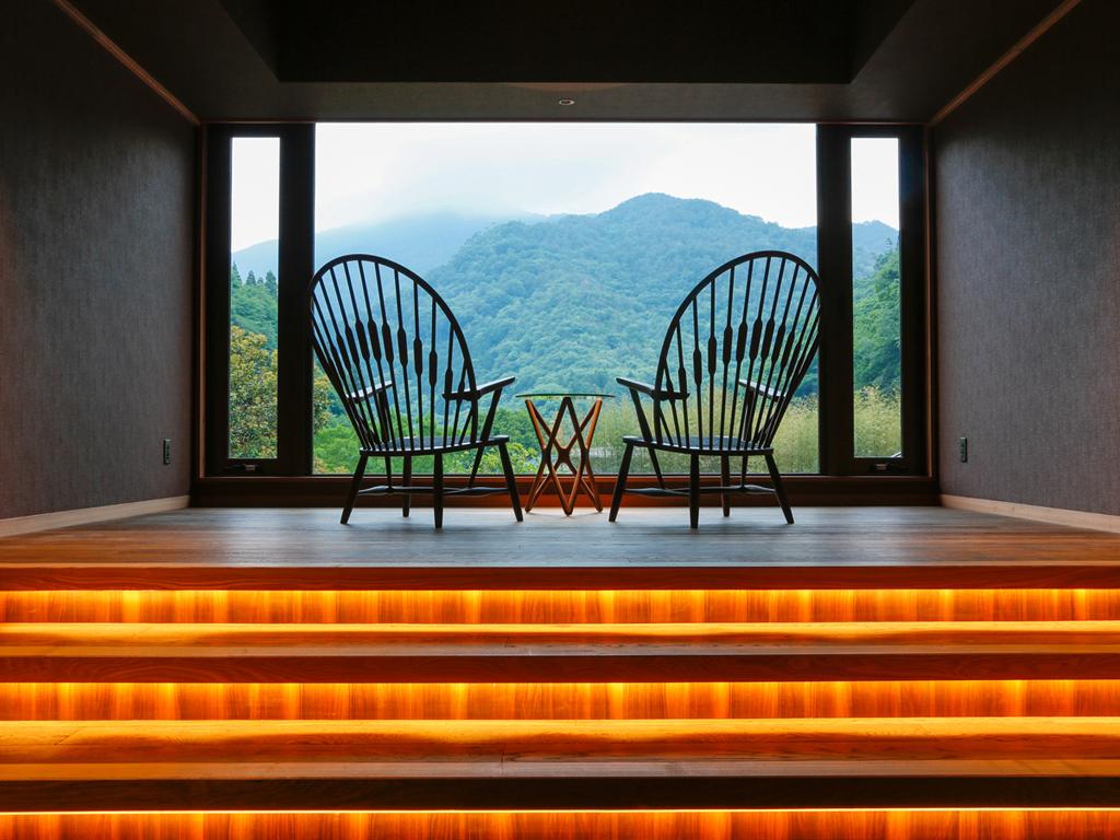 阿讃山脈の懐に抱かれた 静謐なる自然に佇む里山の別荘