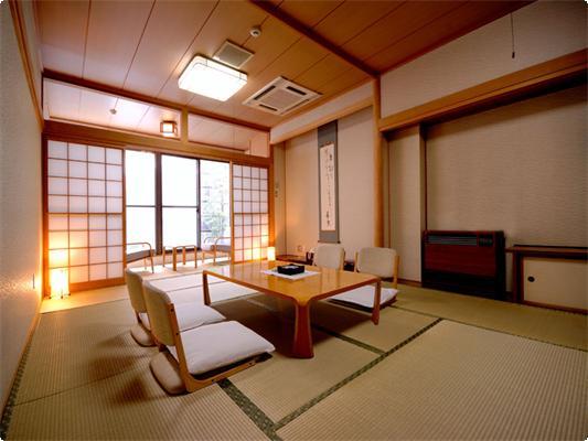 小さな庭園付和室12畳+広縁 【 Wi-Fi 】
