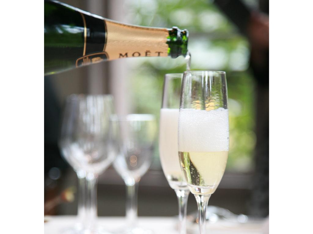 プラン特典のモエ・エ・シャンドンのシャンパン200ml