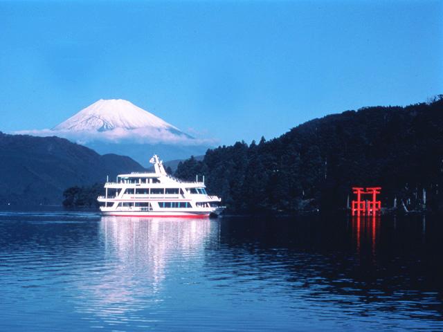 富士山と芦ノ湖遊覧船
