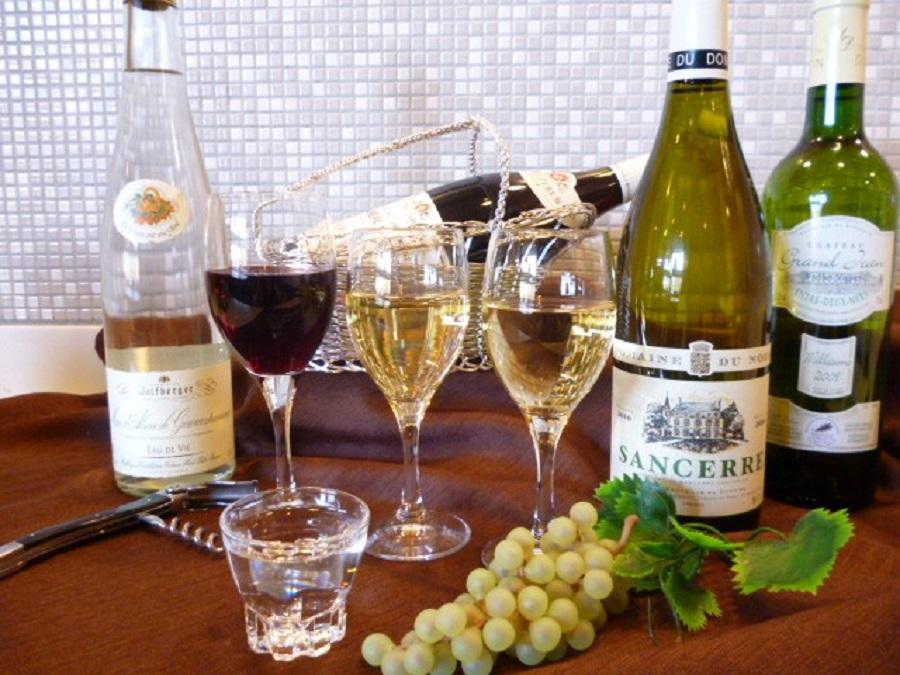 4種のセレクトワインを提供します♪(写真はイメージです)