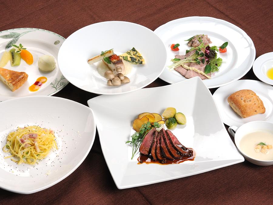 ご夕食は、季節の地野菜をふんだんに盛り込んだイタリアンコース