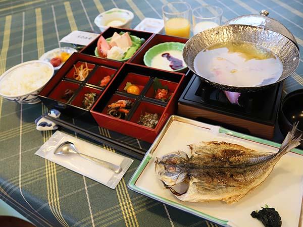 ご朝食は、和食を中心に。朝から元気をチャージ!