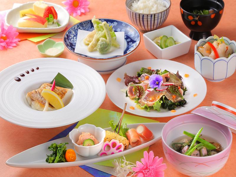 ご夕食は、当館の基本『和食会席』(イメージ)