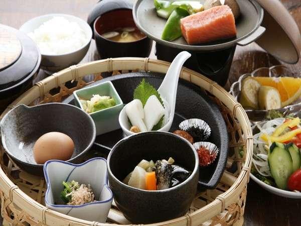 和食のお膳朝食一例(朝食イメージです)