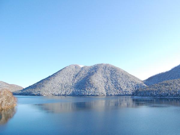 然別湖の冬