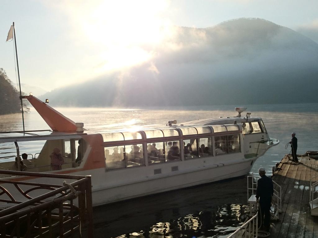 【モーニングクルーズ】遊覧船は早朝がおすすめ。少し早起きをして、いつもと違う朝を迎えてください。