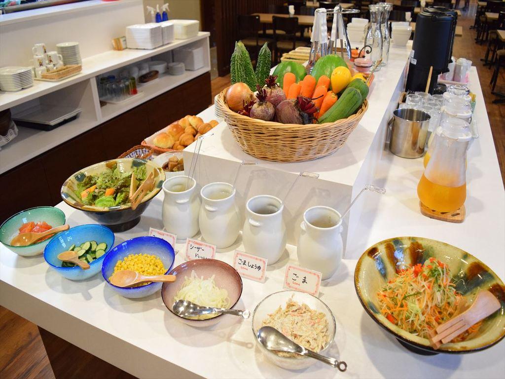 【朝食】サラダドレッシング4種類ご用意