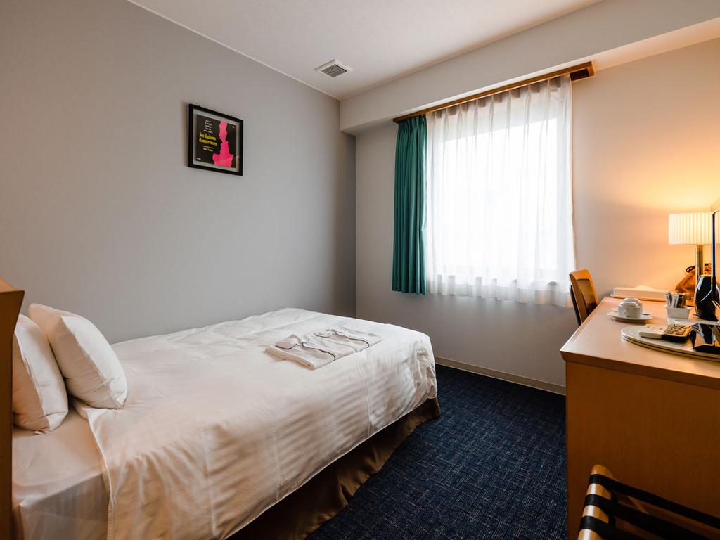 【スタンダードセミダブル】14平米のくつろげる客室