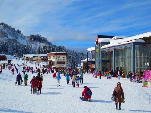 スキー&スノボへ!お得な1日リフト券付きプラン