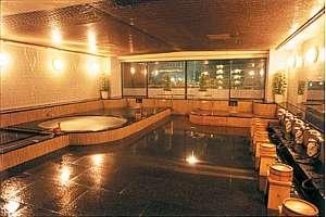 金湯と銀湯の温泉浴場