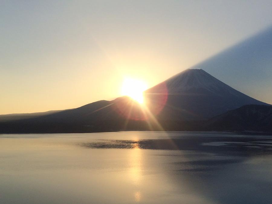 芦ノ湖の日の出 ※当館からお車で23分
