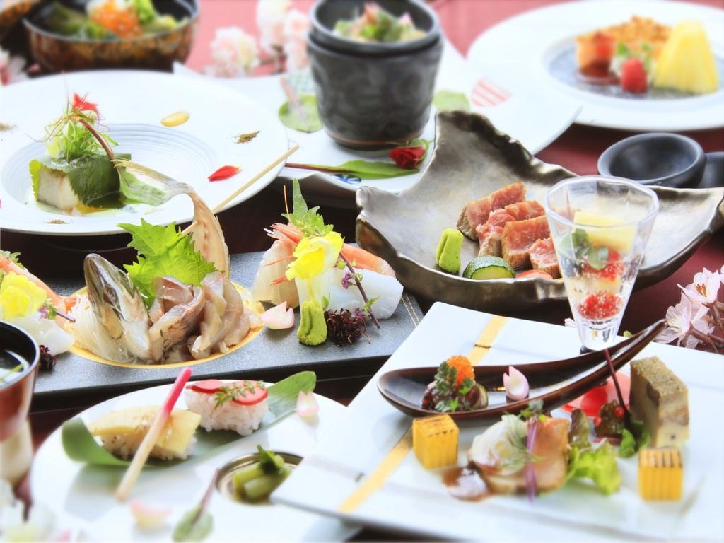 45日前までのご予約でお食事内容をアップグレード※写真は冬会席イメージ