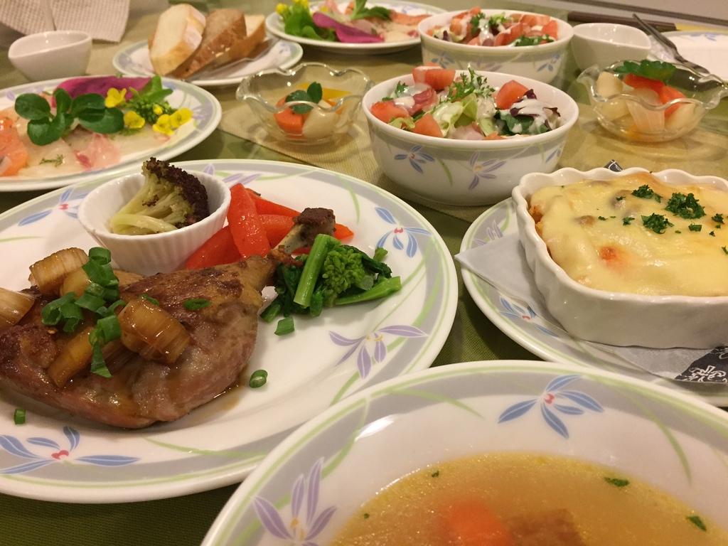 クリスマス期間は洋食特別料理をご用意!