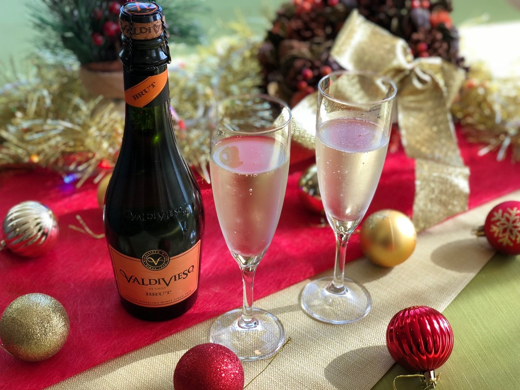 乾杯用にはスパークリングワインをプレゼント!