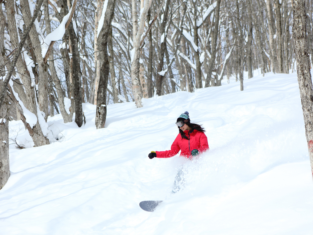 【下倉スキー場】中上級者向けスキー場で冬のアクティビティを満喫!