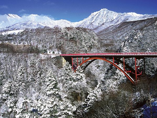 冬の八ヶ岳東沢大橋