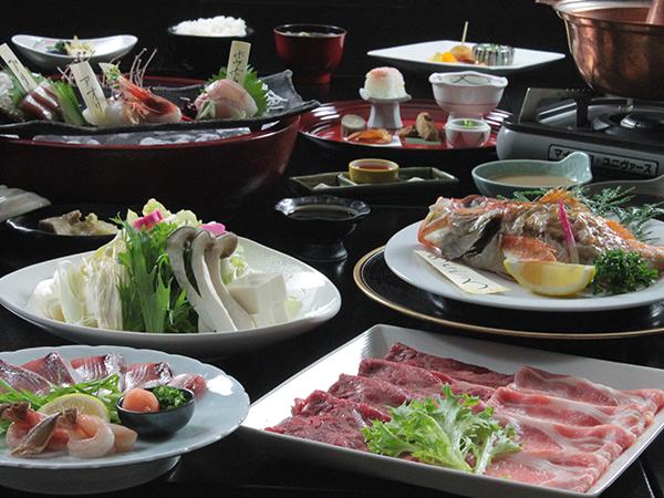 贅沢5種:蟹+ブリ+国産牛+国産豚+野菜のしゃぶしゃぶ