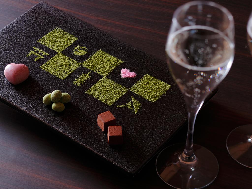 スパークリング日本酒&チョコレートアソートをお部屋にご用意(イメージ)