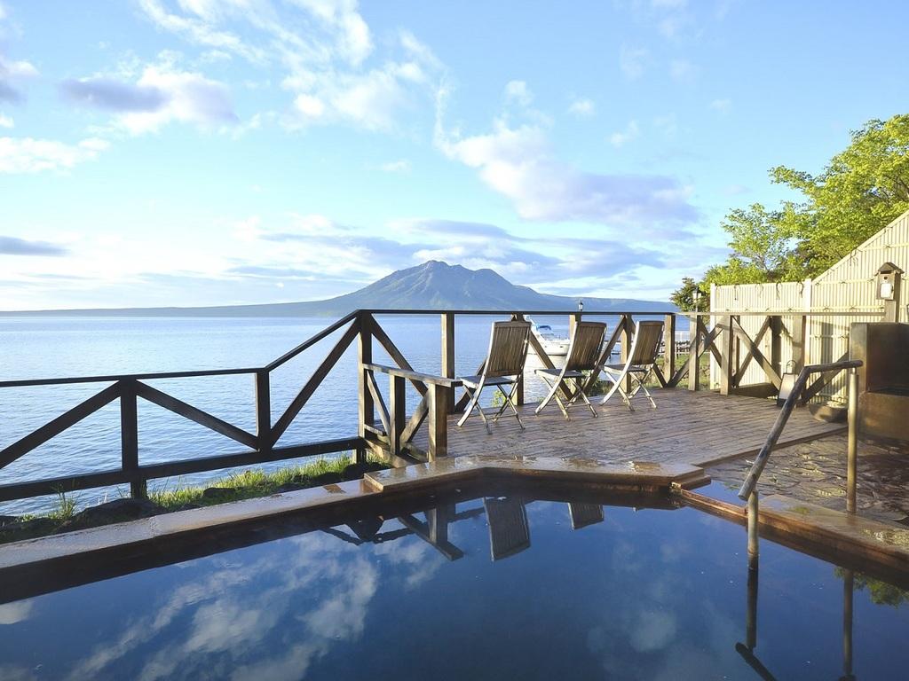 ■展望露天風呂:男性展望露天風呂からのある日の景色