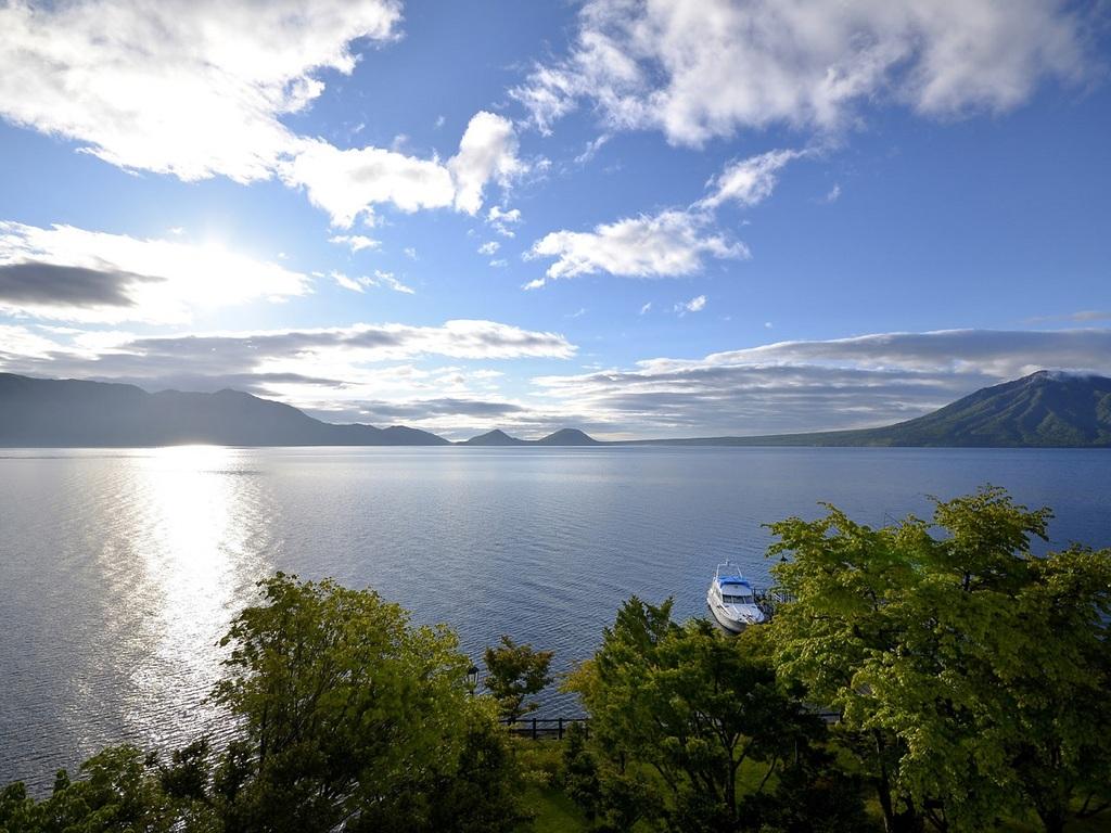 窓外に支笏湖一望!抜群の景観をお楽しみ下さい