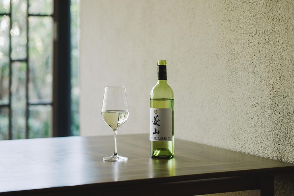 創業90周年記念ラベルの白ワイン