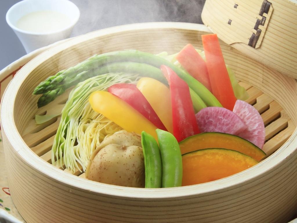 素材の甘みを味わう、旬のお野菜のせいろ蒸し