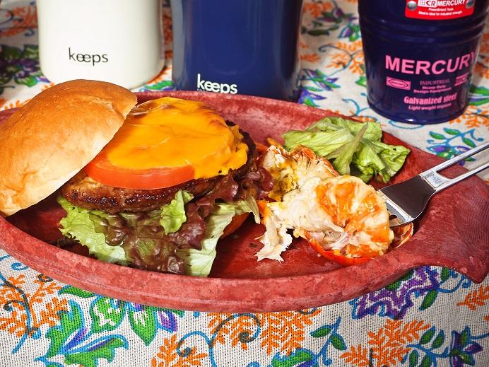 伊勢海老のボイルと自分好みのハンバーガー