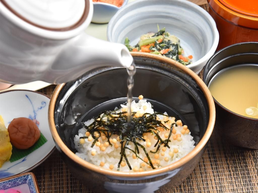 朝食(お茶漬け)