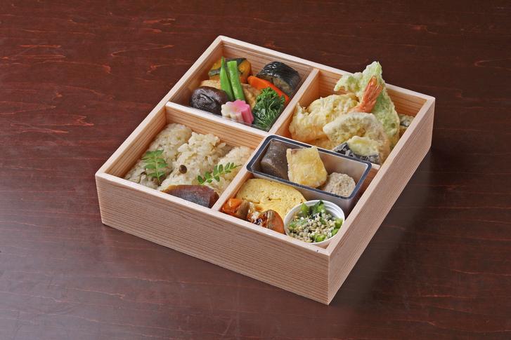 日本料理おばな特製お弁当『梅』