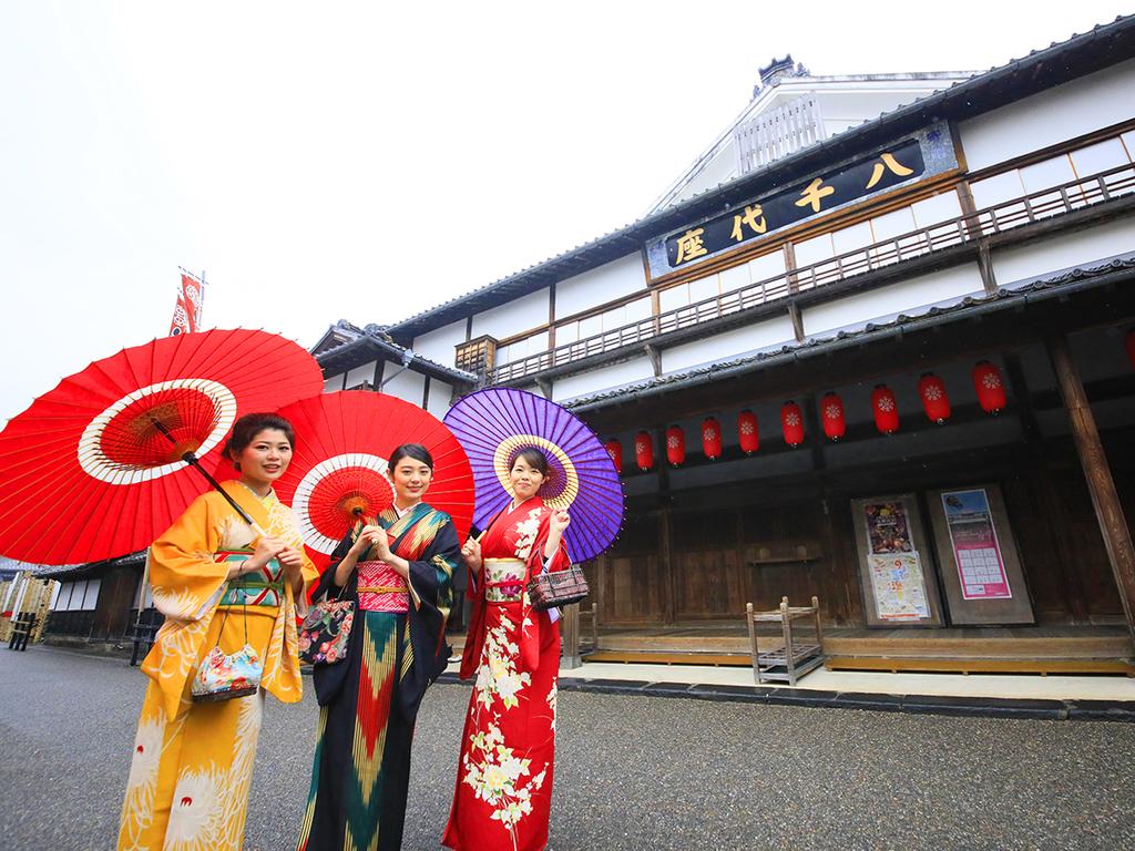海老蔵さんも出演する演舞場【八千代座】は懐かしくも斬新な内装がステキ