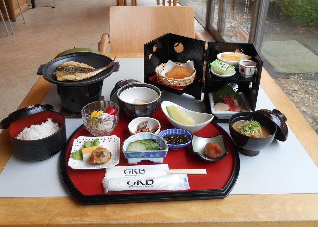和食膳の朝食※仕入れ状況によって細かいメニューを変更する場合があります