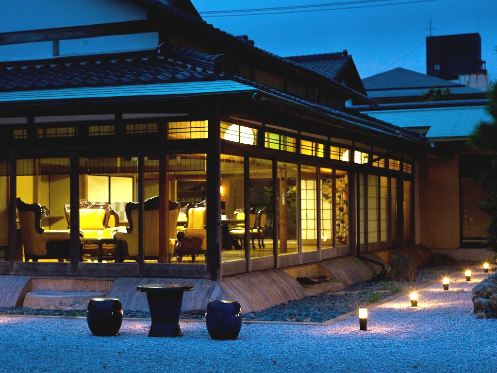 河井寛次郎ゆかりの宿へようこそ。