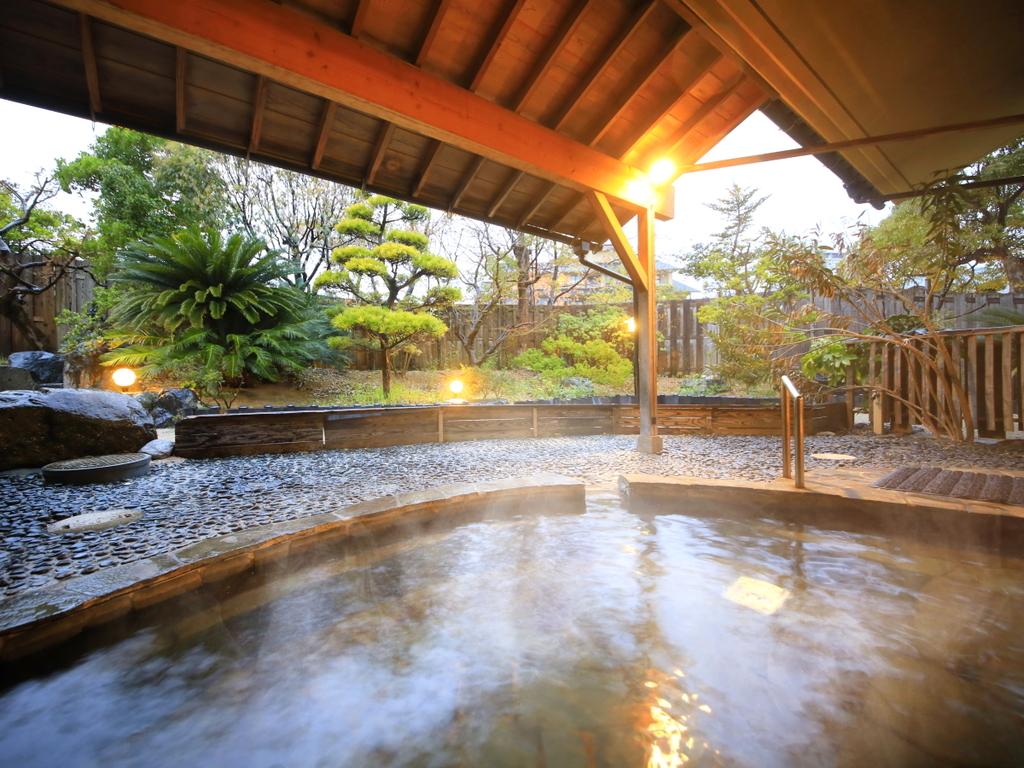 ビジネスでも観光でも、美肌効果の高い温泉を満喫。