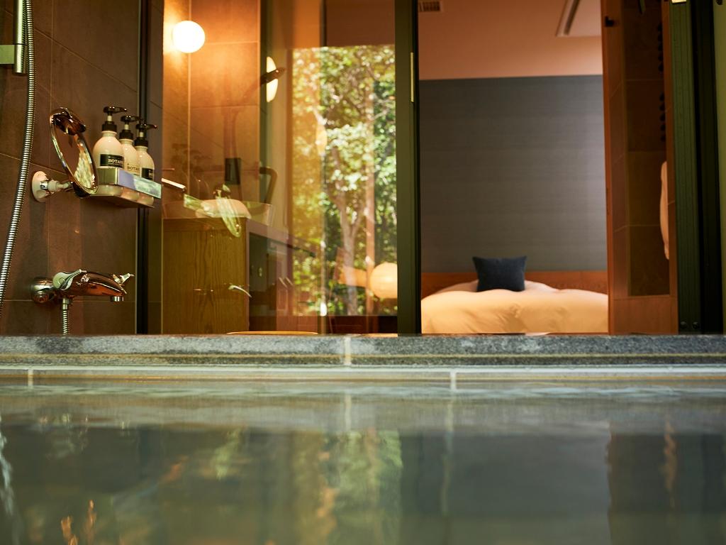【客室展望温泉】森の展望風呂