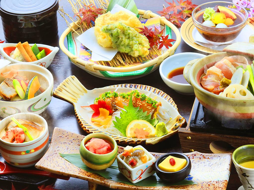秋・郷土料理会席11月末まで(一例)