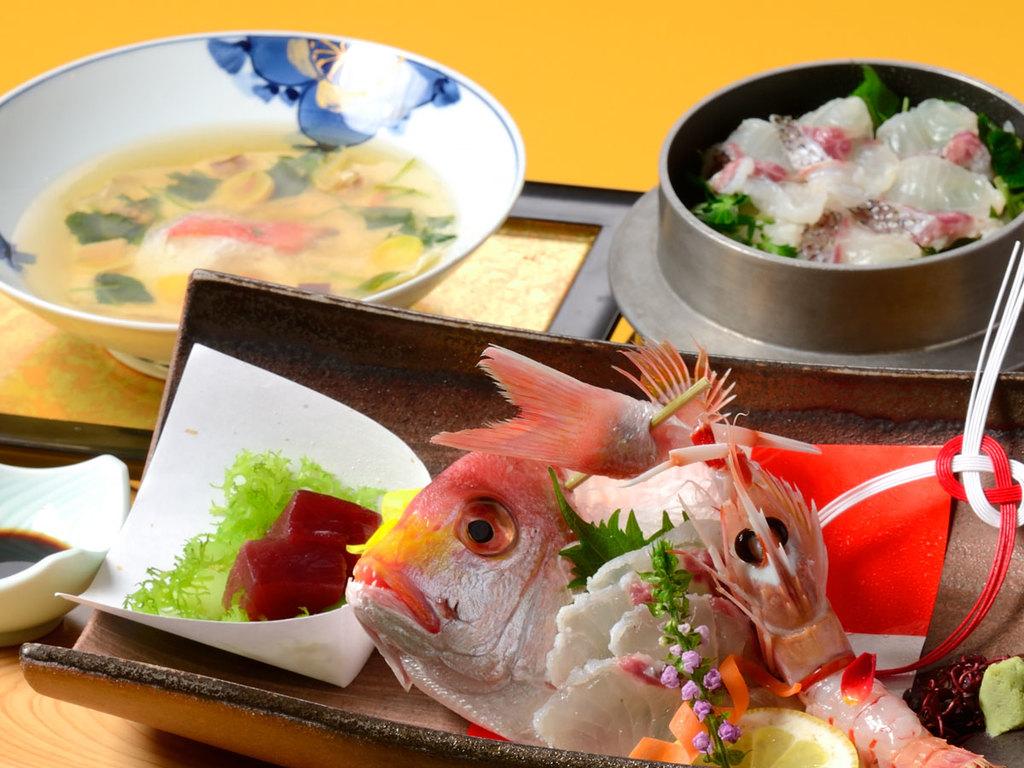 *【鯛づくし(一例)】鯛しゃぶ、連子鯛姿造り、鯛釜飯