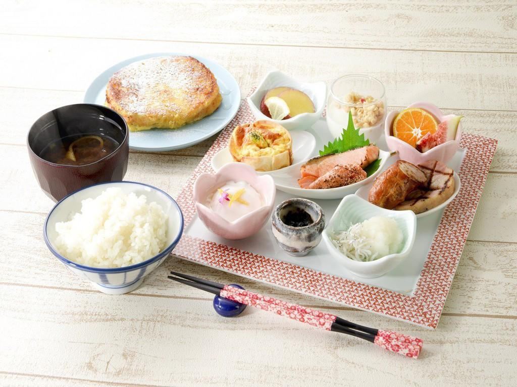 *朝食ハイカラプレート+フレンチトースト