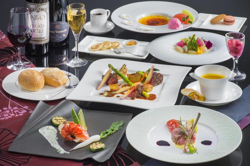 全8品、ホテル最上グレードのコース【極みフレンチ】※季節と食材の仕入れ状況によりメニュー変更がございます。