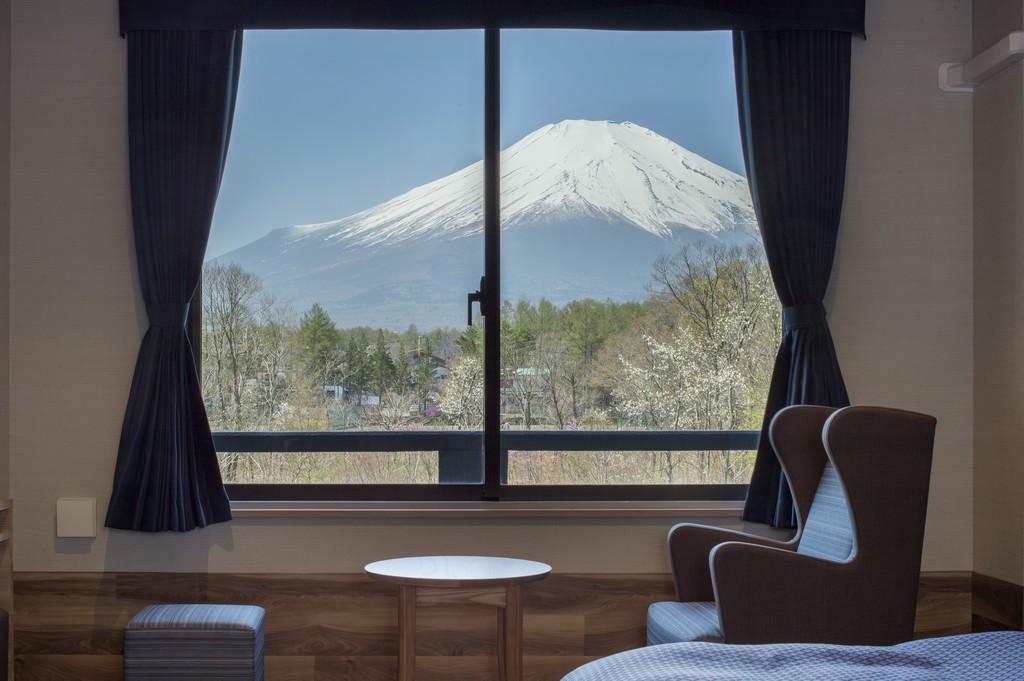 晴天時にはお部屋から雄大な富士山の眺望をお楽しみいただけます。 ※富士山ビュールーム