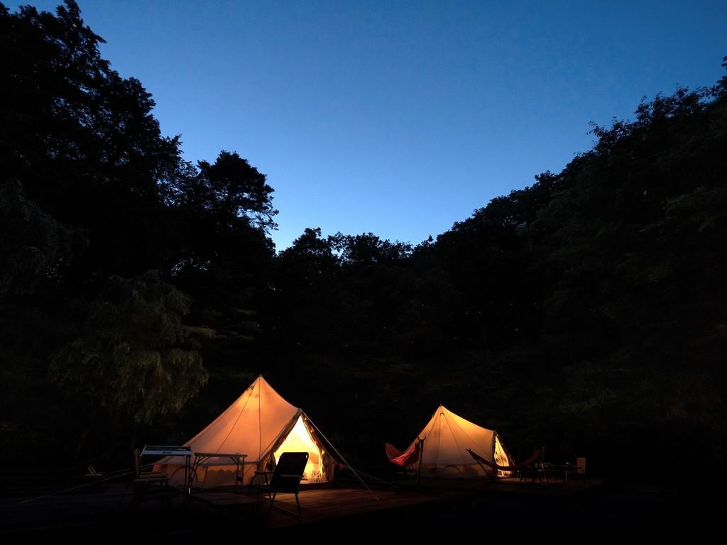 グランピングテント夜